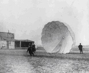 Albert_Berry_parachute